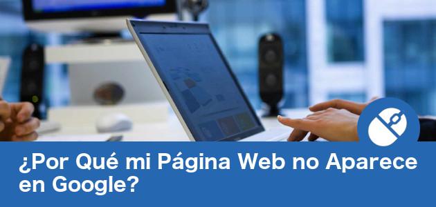 Mujer buscando su página web en Google.