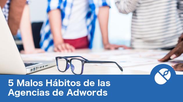 Agencia de adwords planeando estrategia de anuncios.